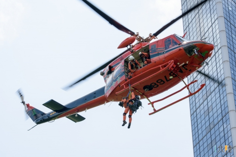 クロスランドおやべ ヘリコプター & 防災・防犯フェスティバル2016